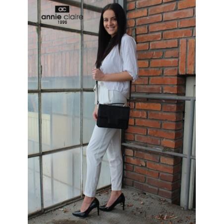 Dámska kožená kabelka, čierne kroko