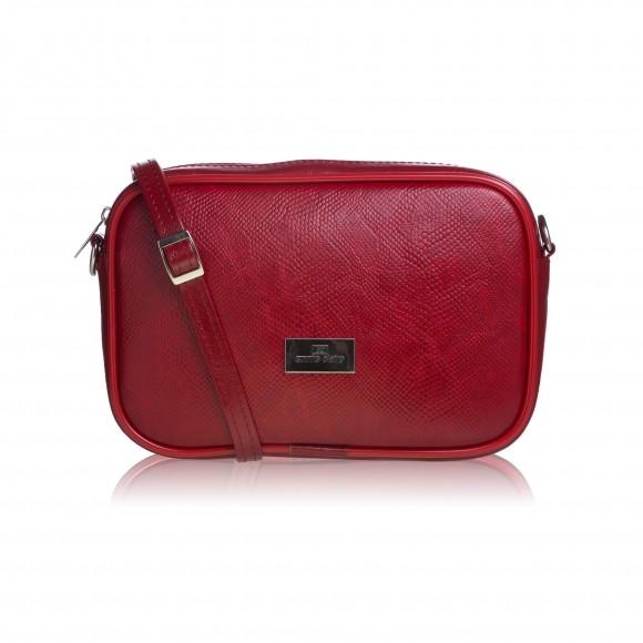 98227797b7 Tento typ kabelky spoľahlivo ukryje všetky vaše poklady a stane sa  nepostrádateľným kúskom vo vašom šatníku. Nastaviteľné ramienko cez plece a  veľkosť ...